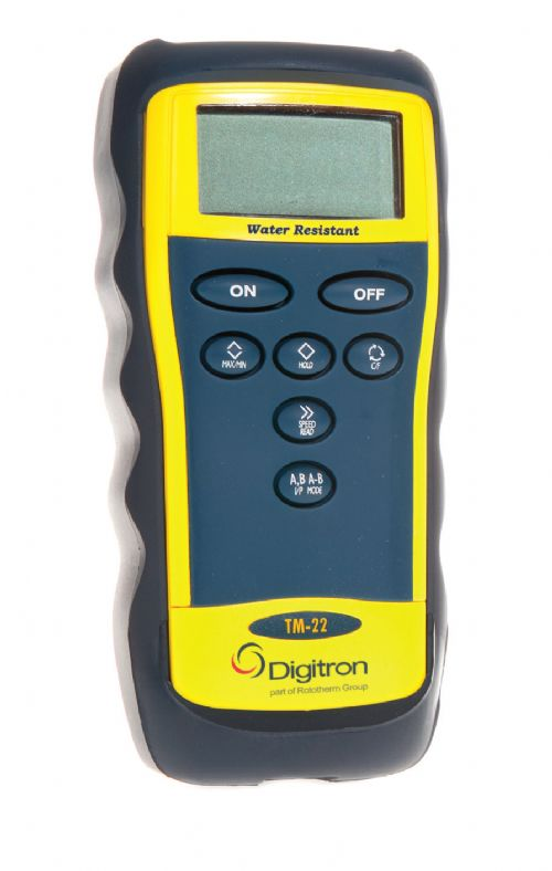 TM-22 Differential Digital Thermometer